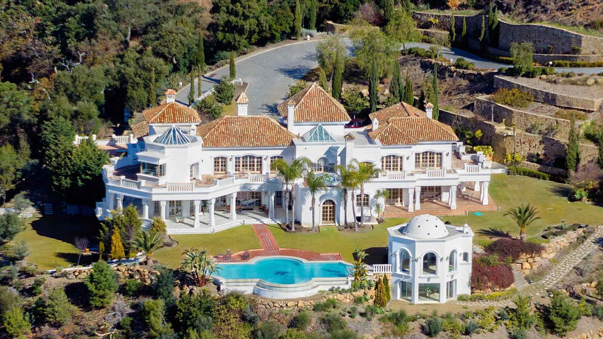Palace of Light villa for sale in la zagaleta