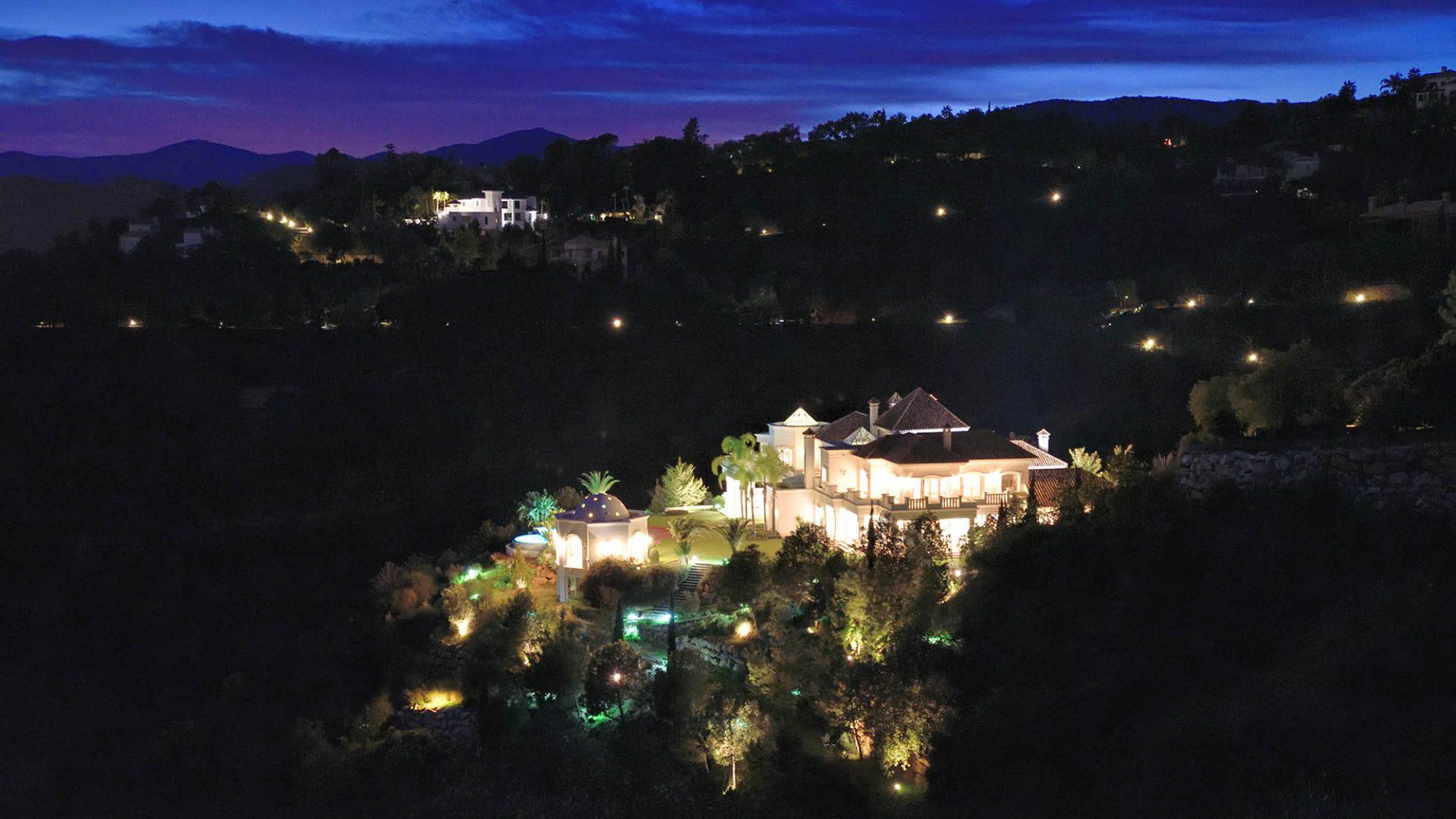 la zagaleta property for at night