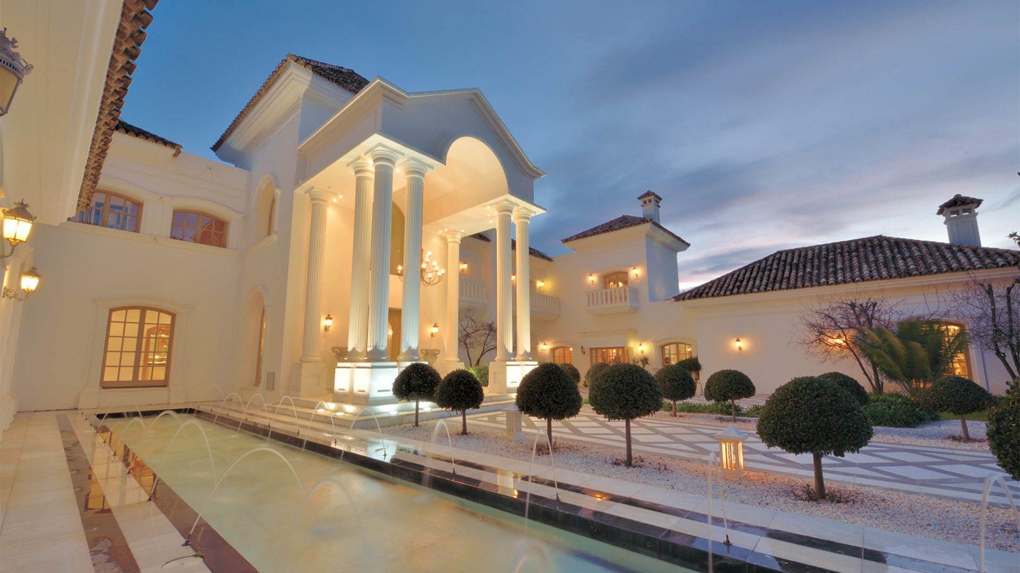 la zagaleta property for sale grand entrance