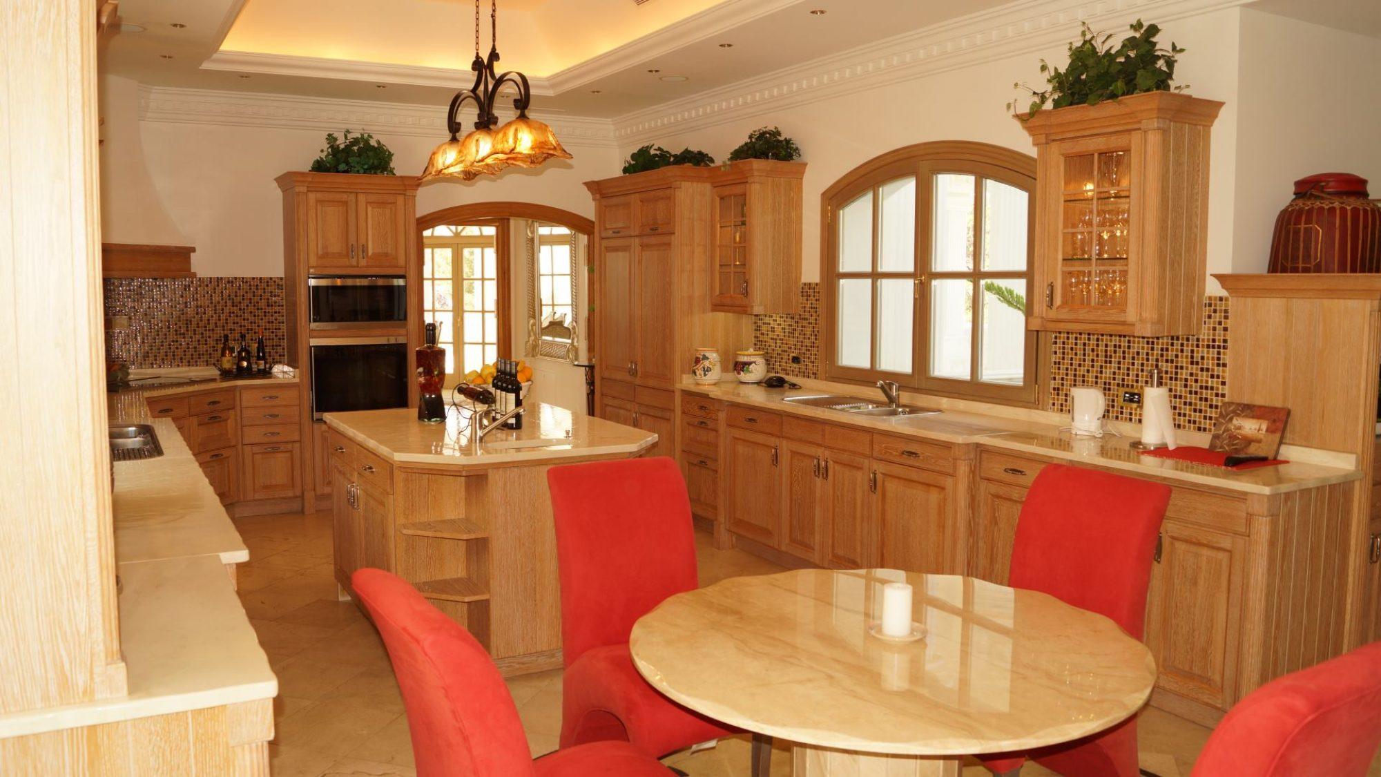 la zagaleta property kitchen