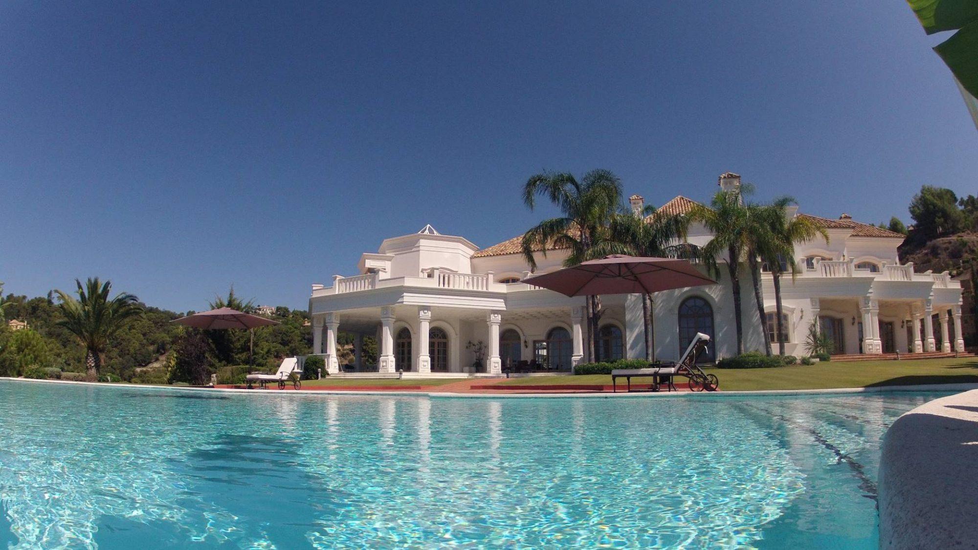 villa for sale in la zagaleta gardens