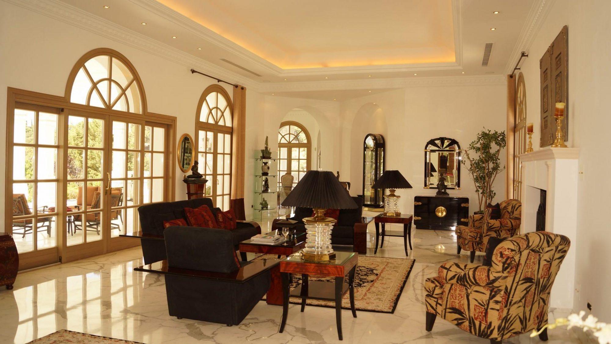villa for sale in la zagaleta salon